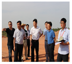 南宁市市委常委五象新区管委会常务副主任韦立平